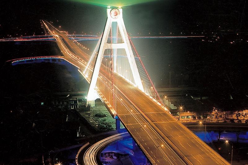 成都市天府—南站城市立交桥工程(获鲁班奖工程)