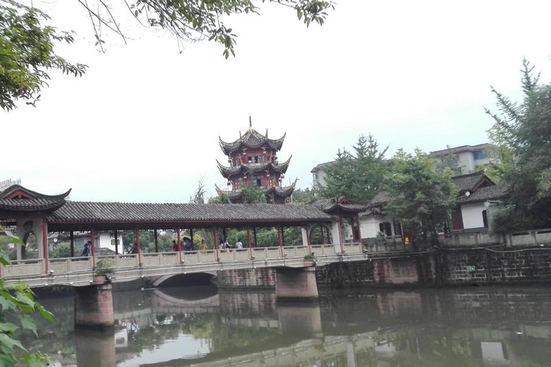 成都市百花潭公园廊桥